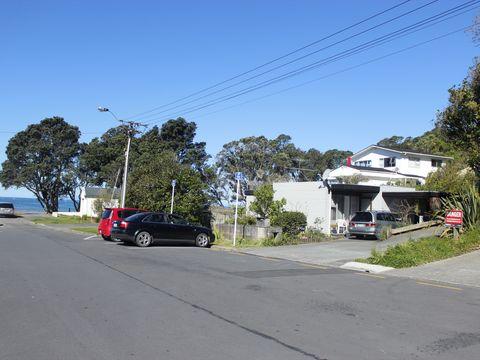 Browns Bay, 6a Browns Bay Road