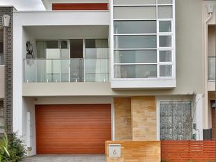 Architecturally Inspired - Widely Desired Outstanding Contemporary Townhouse - Northgate