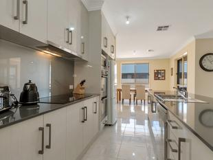 Huge 1200 sqm Huge Block with a  Grand Home - Two Wells