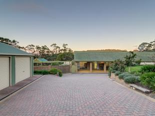 ACREAGE, VIEWS & A HEALTHY LIFESTYLE - Chandlers Hill