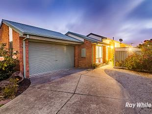 INCREDIBLE FAMILY HOME! - Cranbourne West