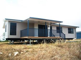 Modern Living on ACREAGE! - Gracemere