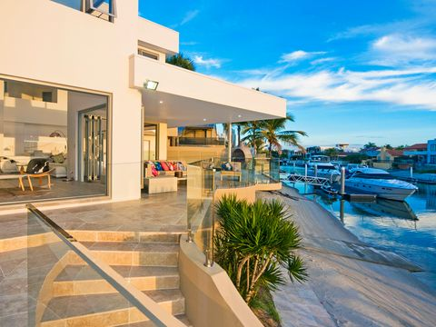 Surfers Paradise, 32 Midshipman Court