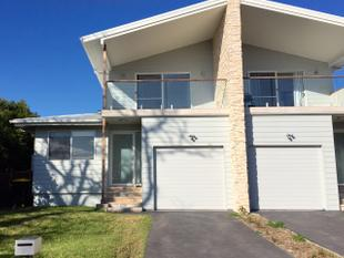 Stylish Torrens Title Duplex With Valley Views!!! - Helensburgh