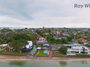Peninsular location and lifestyle - Bucklands Beach