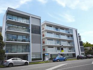 Secure, Sensational...The Surrey! - Grey Lynn