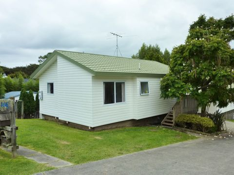 Stanmore Bay, 7a Logan Lane