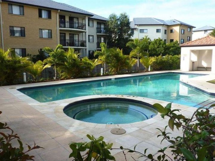 11/132 High Street, Southport, QLD