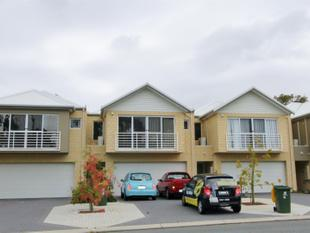 LOOKING FOR A ROOMY TOWNHOUSE? GREAT LOCATION OVERLOOKING PARK CLOSE TO SCHOOL - Balga