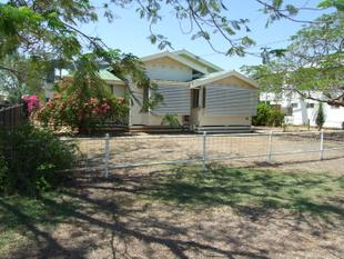 Large Home with Character - Longreach
