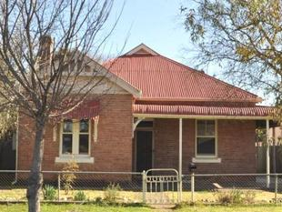 4 bedroom Double brick home in great location - Cootamundra