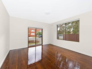refurbished 2 bedroom apartment in a secure complex - Maroubra