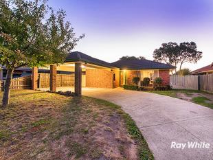 AFFORDABLE FAMILY LIVING SURROUNDED BY AMENITIES! - Cranbourne West