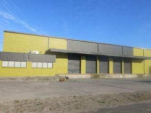 OUTSTANDING WAREHOUSE WITH EXCELLENT HEIGHT AND ACCESS - Cheltenham