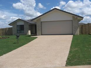 Fully air conditioned Large Four Bedroom Family Home - Gracemere