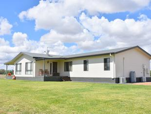 MINUTES FROM TOWN MILES FROM ANYWHERE! - Moree