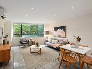 Chic warehouse apartment in community enclave - Chippendale
