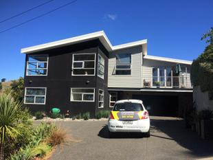 Modern Executive Family Home - Clifton