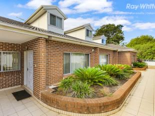 MODERN TOWNHOUSE OFFERS FAMILY LIVING OVER 3 LEVELS - Wentworthville