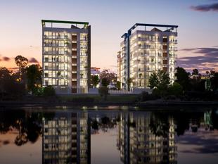 CONTEMPORARY BRAND NEW LAKESIDE APARTMENTS - Varsity Lakes