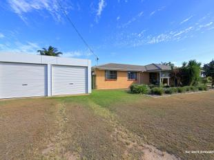 EXCEPTIONAL 3 BEDROOM HOME WITH 6 CAR ACCOMMODATION - Avenell Heights