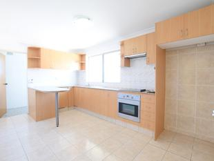 MODERN TWO BEDROOM UNIT IN THE BROADWAY - Punchbowl