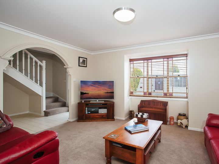 4 Samoa Close, Ashtonfield, NSW