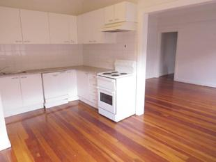MODERN UNIT WITH CHARACTER FEATURES! - North Sydney
