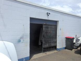 Budget Industrial Unit - Tweed Heads South