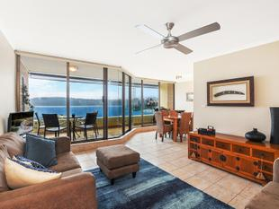 Stunning Harbour Views, Luxury Two Bedroom, Furnished Apartment - Manly