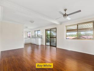 NEW RENOVATED FAMILY HOME IN TOP LOCATION - Sunnybank Hills