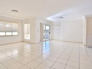 SPACIOUS MODERN 3 BEDROOM UNIT - Zillmere