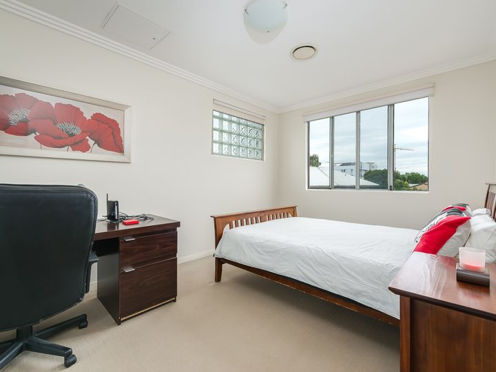27/6-10 Rose Street, Southport, QLD