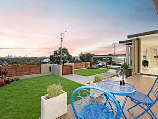 RENOVATED ART DECO HOME WITH SPECTACULAR CITY VIEWS - Wavell Heights