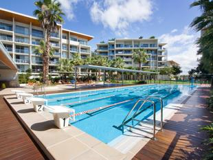 Luxury living on the doorstep of the University Hospital and Griffith Uni - Southport