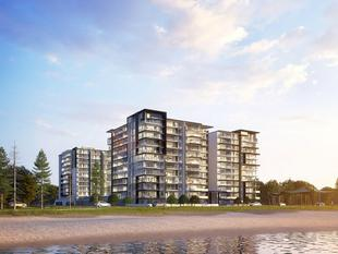 AMAZING VIEWS TO THE BROADWATER - Only 1 North Facing Penthouse Left. Be Quick ! - Labrador