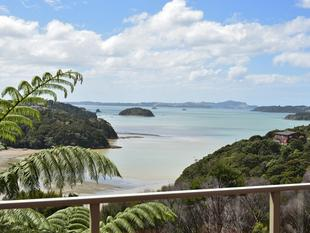 Privacy, Sun with Expansive Water Views - Opua