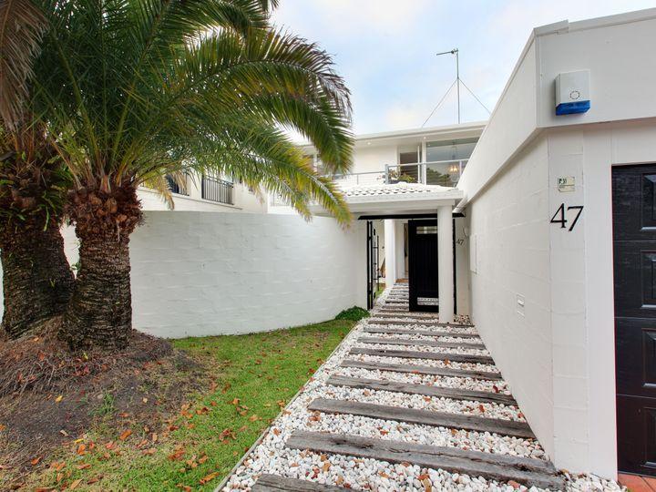47 Cronin Avenue, Main Beach, QLD