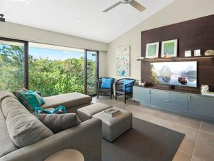 ELEGANT AND LUXURIOUS BEACH FRONT HOME - Peregian Beach