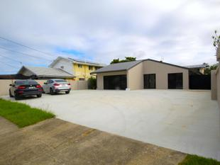 Price Reduced - Ashmore Road Offices - Benowa