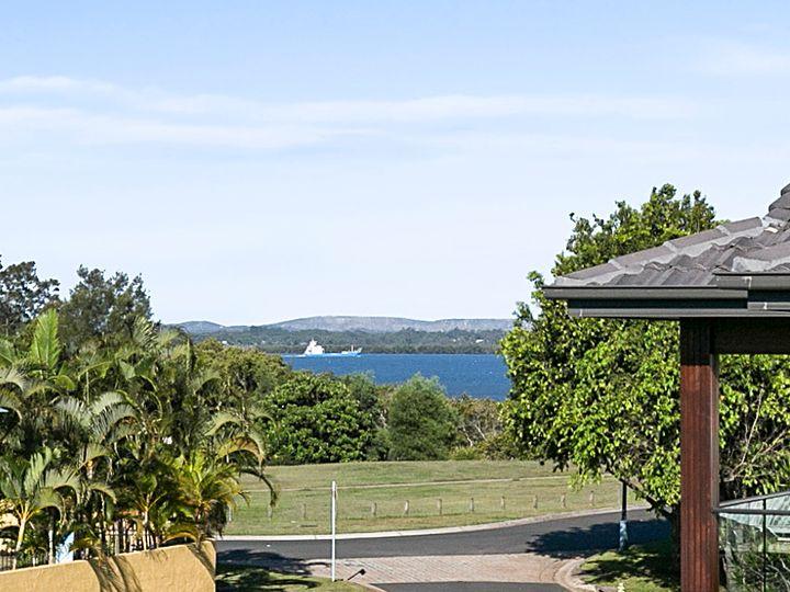 7 Newcomb Court, Redland Bay, QLD