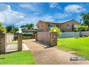 Stunning Double Storey Brick Home with Pool & Shed - Norman Gardens