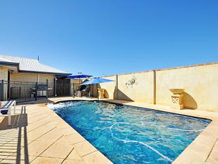4x2 WITH POOL - Ellenbrook