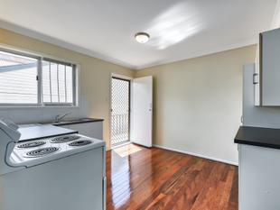 Well Positioned freshly updated Two Bedroom Kedron Unit - Kedron