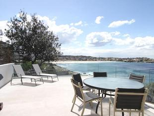 STUNNING PANORAMIC VIEWS, ENORMOUS DECK! - Tamarama