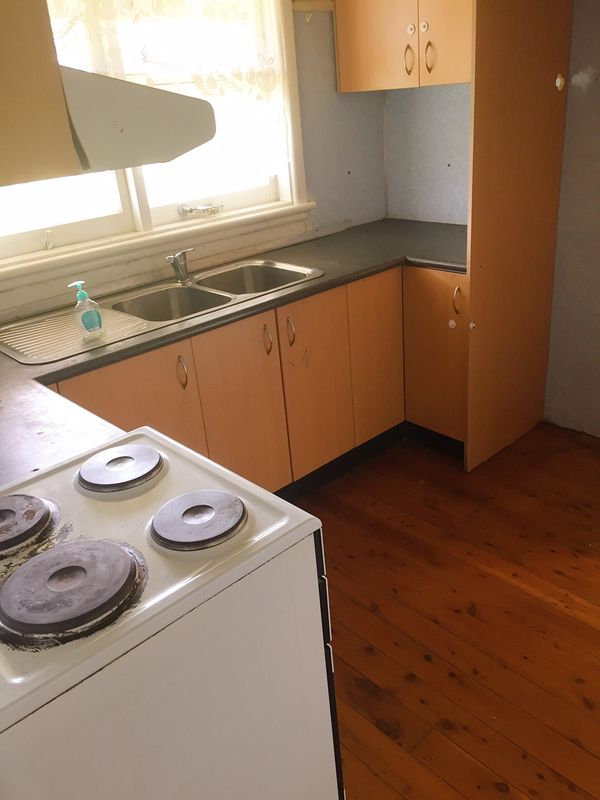 25 grimson crescent liverpool nsw rental house for rent for Kitchens liverpool nsw