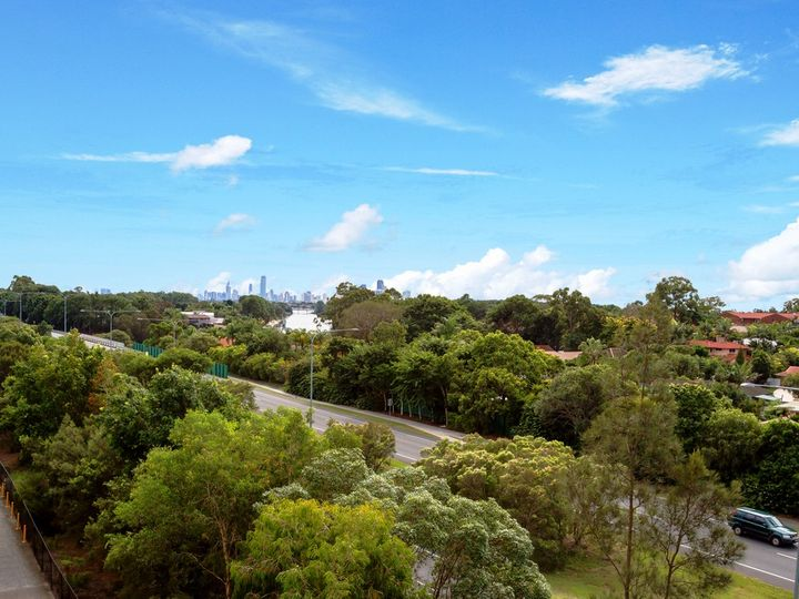 622 'Varsity Towers' 25 Lake Orr Drive, Robina, QLD