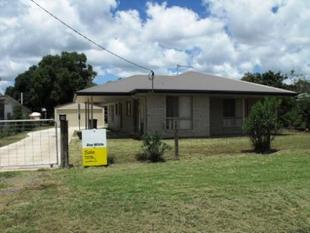 4 BEDROOM HOME IN TOWN - Nanango