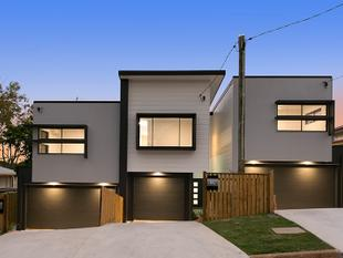 BRAND NEW LUXURY TERRACES  FREEHOLD TOWNHOMES  NO BODY CORPORATE FEES! ONLY TWO LEFT! - Mount Gravatt