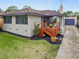 Stylish Living In Premiere Location! - Highton